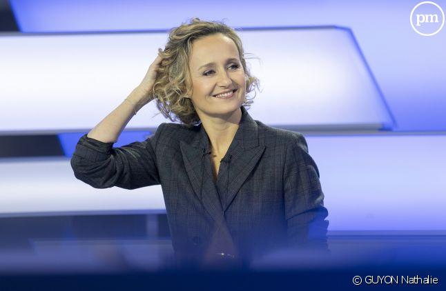 """Caroline Roux présente """"C dans l'air"""""""