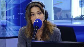 """""""J'ai été complètement débile"""" : Carla Bruni-Sarkozy regrette son trait d'humour sur le coronavirus"""