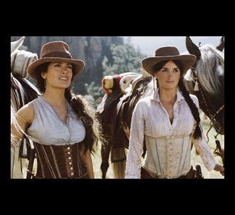 Salma Hayek et Penélope Cruz dans le film 'Bandidas'