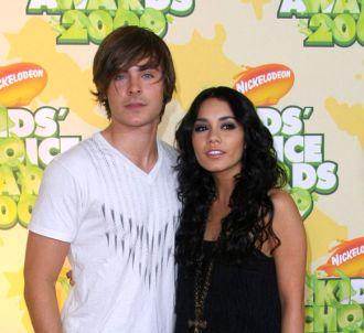 Zac Efron et Vanessa Hudgens aux Nickelodeon Kids Choice...