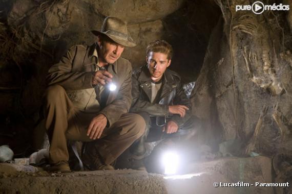 """Harrison Ford et Shia LaBeouf dans """"Indiana Jones et le Royaume du Crâne de Cristal"""""""