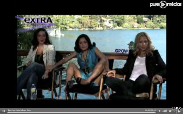 Salma Hayek effrayée par un serpent lors d'une interview