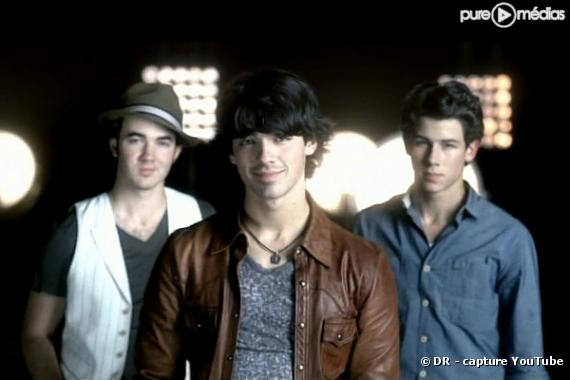 "Les Jonas Brothers dans le clip de ""It's On"""
