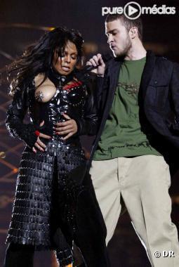 Janet Jackson et Justin Timberlake lors du Super Bowl en 2004