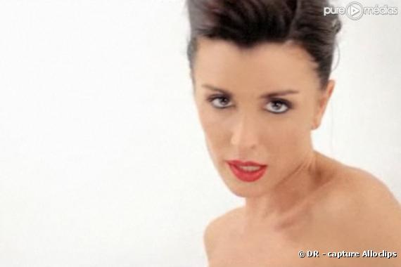 """Jenifer dans le clip de """"Je danse"""""""