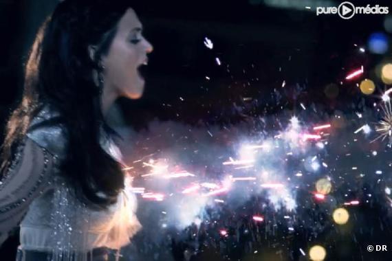 """Katy Perry dans le clip de """"Firework"""""""