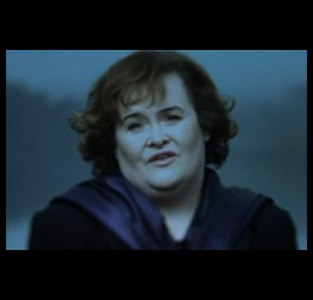 """Susan Boyle dans le clip de """"Perfect Day"""""""
