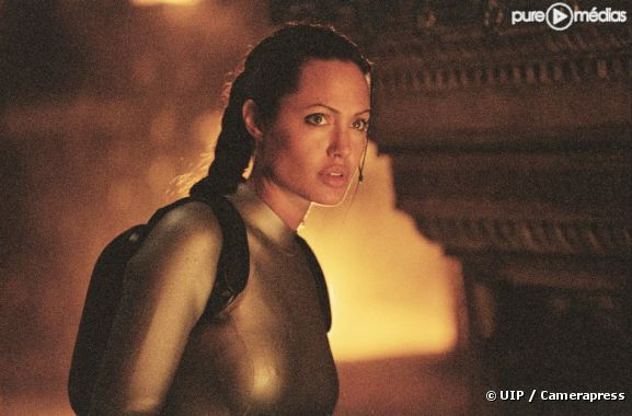 "Angelina Jolie dans ""Lara Croft Tomb Raider : le berceau de la vie"""