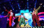 Disques : Les Enfoirés tiennent le coup, Jennifer Lopez décroche son premier n°1