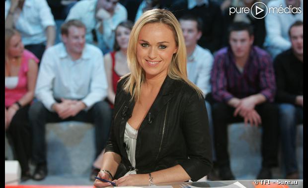"""Cécile de Menibus dans la """"Cauetidienne"""" sur TF1."""