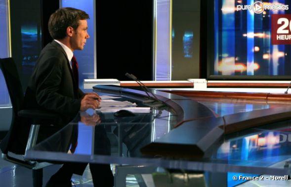 David Pujadas sur le plateau du JT de France 2
