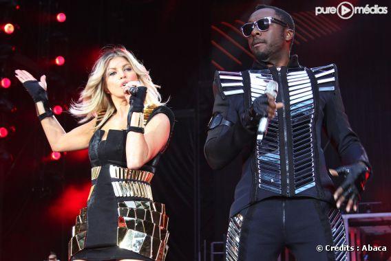 Les Black Eyed Peas sur la scène du Stade de France, le 22 juin 2011