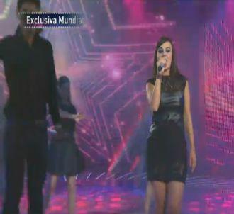 Alizée chante 'Les Collines' à la télévision mexicaine le...