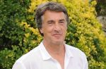"""Présidentielle : François Cluzet """"en négociation"""" pour soutenir François Bayrou"""