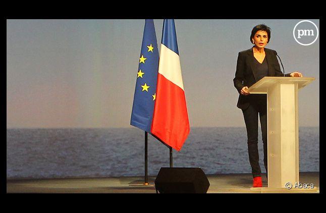 Rachida Dati et ses bottes rouges lors d'un meeting de Nicolas Sarkozy.
