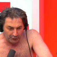 Zapping : François Morel entièrement nu pour sa chronique sur France Inter