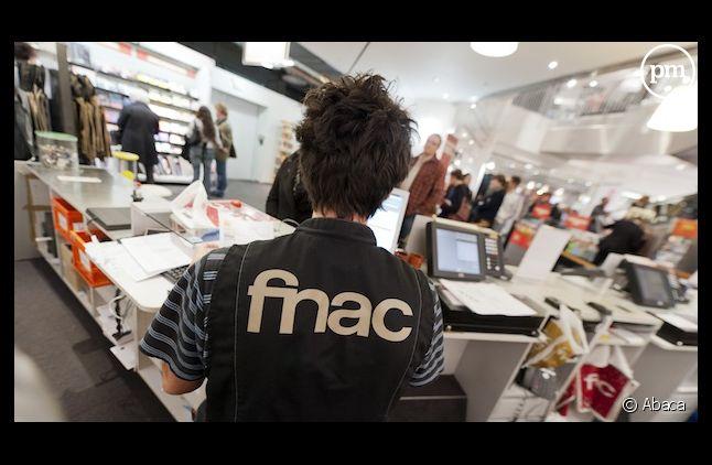 Un vendeur à la FNAC de Nice