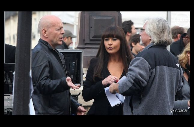 "<span>Bruce Willis et Catherine Zeta-Jones ont tourné à Paris une scène de ""Red 2"" en octobre 2011.</span>"