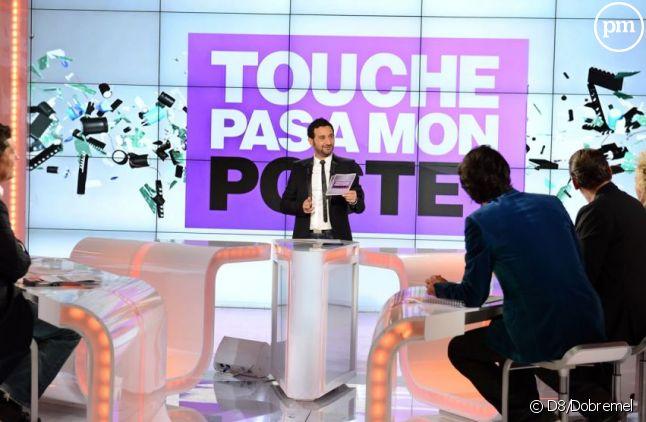 """Le plateau de """"Touche pas à mon poste"""""""