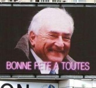 L'image affichée sur des écrans géants où DSK souhaite...