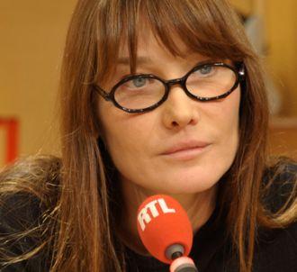 Carla Bruni-Sarkozy défend 'avec fougue' son mari, sur...