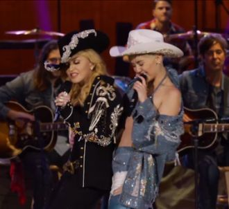 Miley Cyrus et Madonna reprennent 'Don't Tell Me' et 'We...
