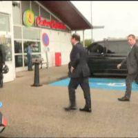 Pause pipi pour François Hollande dans