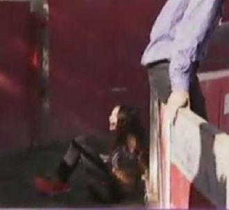 Nabilla chute dans '<span>Allo Nabilla'</span>