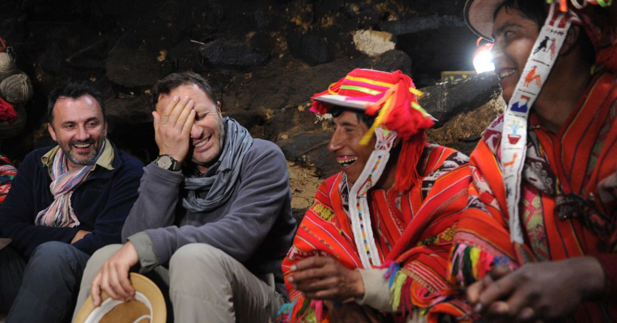 Rendez vous en terre inconnue chez les quechuas au p rou avec arthur photo - Arthur motorkap rendez vous ...