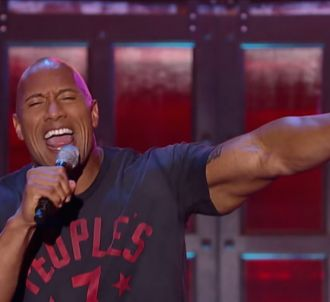Dwayne Johnson, alias The Rock, reprend 'Shake It Off' de...