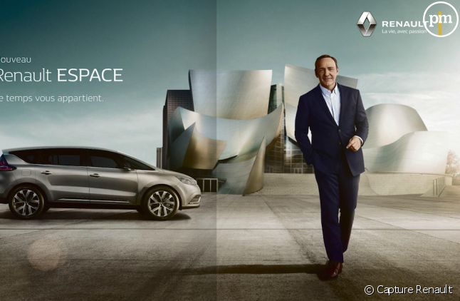 <p>Kevin Spacey pose pour Renault Espace</p>