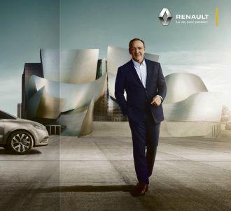 <p>Kevin Spacey pose pour Renault Espace</p>