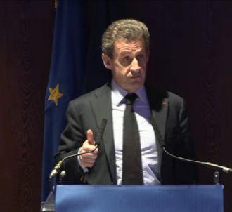 Nicolas Sarkozy refait à sa manière une interview de...