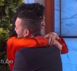 Katy Perry réconforte une victime d'Orlando