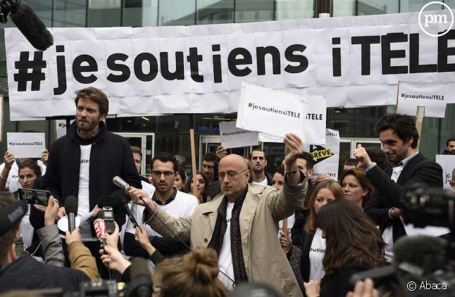 Les salariés de iTELE lors d'un rassemblement en octobre dernier.