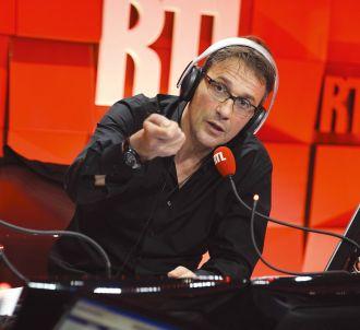 Julien Courbet reçoit des insultes sur RTL.