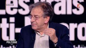 """Alain Finkielkraut dénonce la Une """"mensongère"""" de """"Valeurs Actuelles"""""""