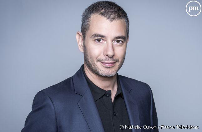 """Ali Baddou anime """"C l'hebdo"""" tous les samedis sur France 5"""