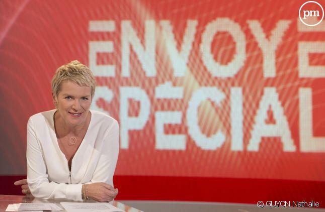 """""""Envoyé spécial"""" présenté par Elise Lucet sur France 2."""