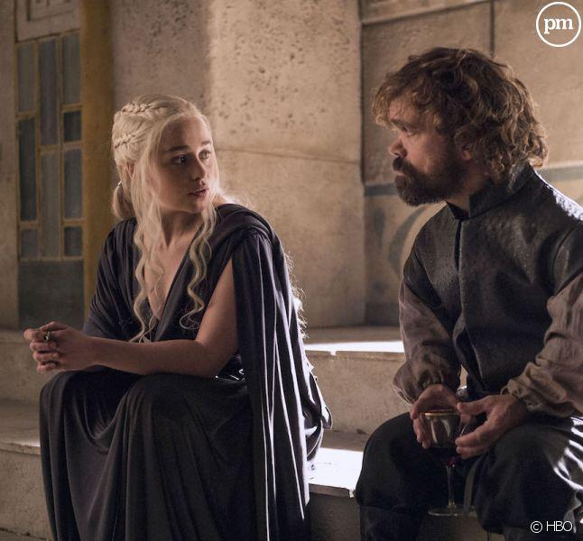 "Emilia Clarke et Peter Dinklage dans ""Game of Thrones"""