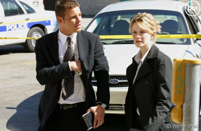 "Justin Chambers et Kathryn Morris dans ""Cold Case"""
