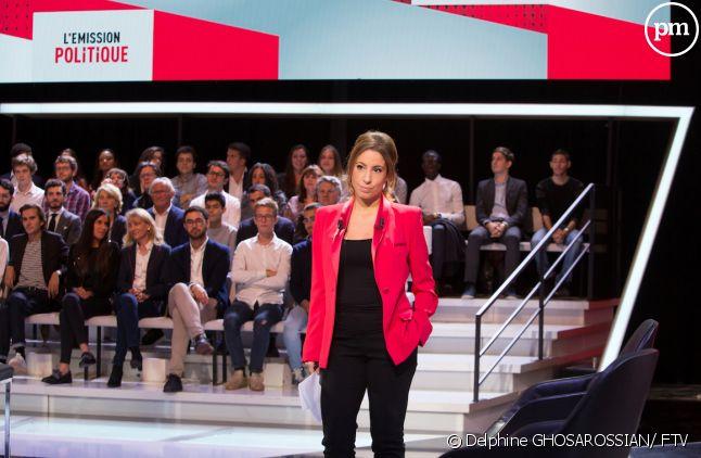 """Léa Salamé sur le plateau de """"L'émission politique"""""""