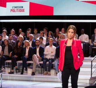 Léa Salamé sur le plateau de 'L'émission politique'
