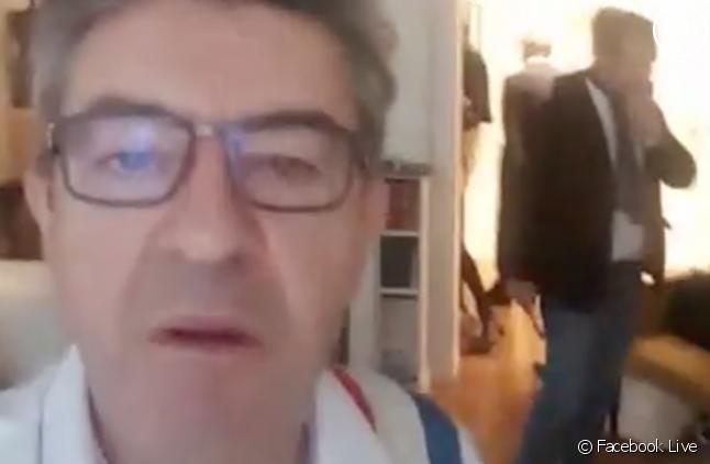 Jean-Luc Mélenchon en direct en Facebook Live lors de sa perquisition.
