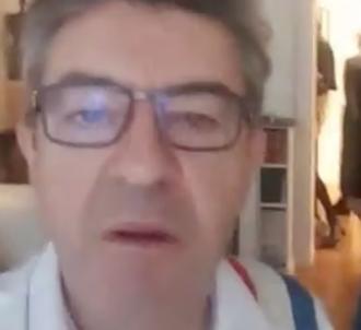 Jean-Luc Mélenchon en direct en Facebook Live lors de sa...
