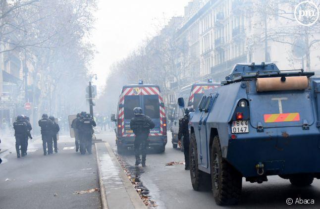 Des blindés dans Paris le 8 décembre 2018