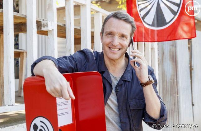 """Stéphane Rotenberg avec la principale nouveauté de cette saison : le """"téléphone express"""""""