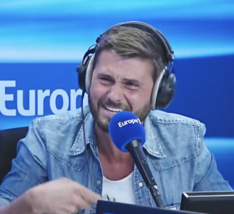 Christophe Beaugrand hilare sur Europe 1.