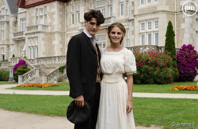 """Amaia Salamanca et Yon González dans """"Gran Hotel"""""""