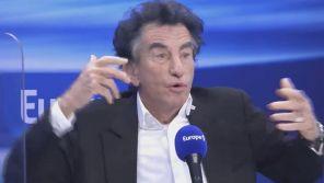 """Affaire Olivier Duhamel : Jack Lang dit """"basta !"""" aux questions de Sonia Mabrouk sur Europe 1"""